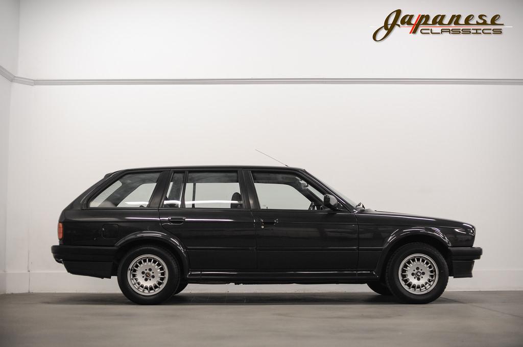 Japanese Classics | 1989 BMW 325 IX E30 Touring