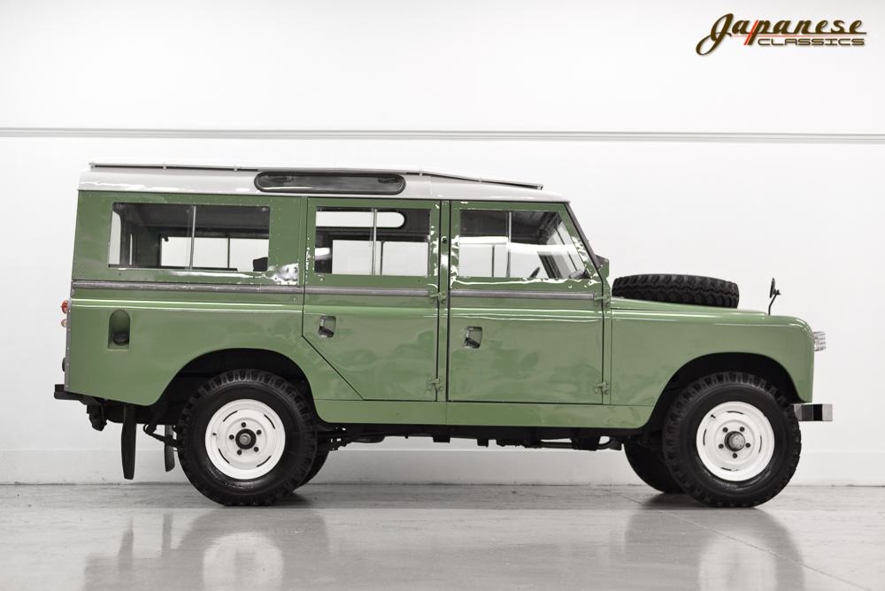 japanese classics 1965 land rover series iia 109. Black Bedroom Furniture Sets. Home Design Ideas